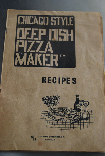 Chicago Style Deep Dish Pizza Maker Recipe Book