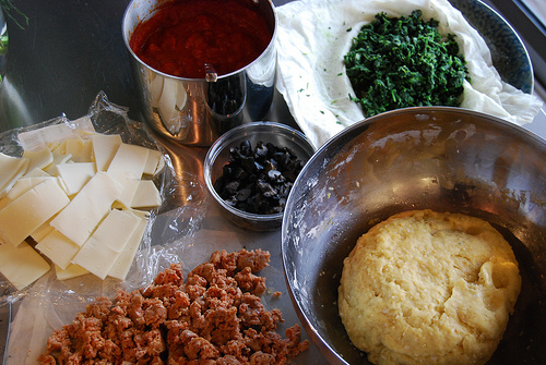 Deep dish pizza ingredients